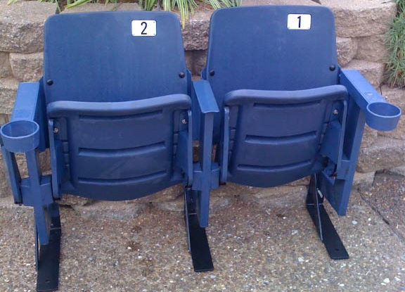 RCA Dome seats w/ 2 cupholders